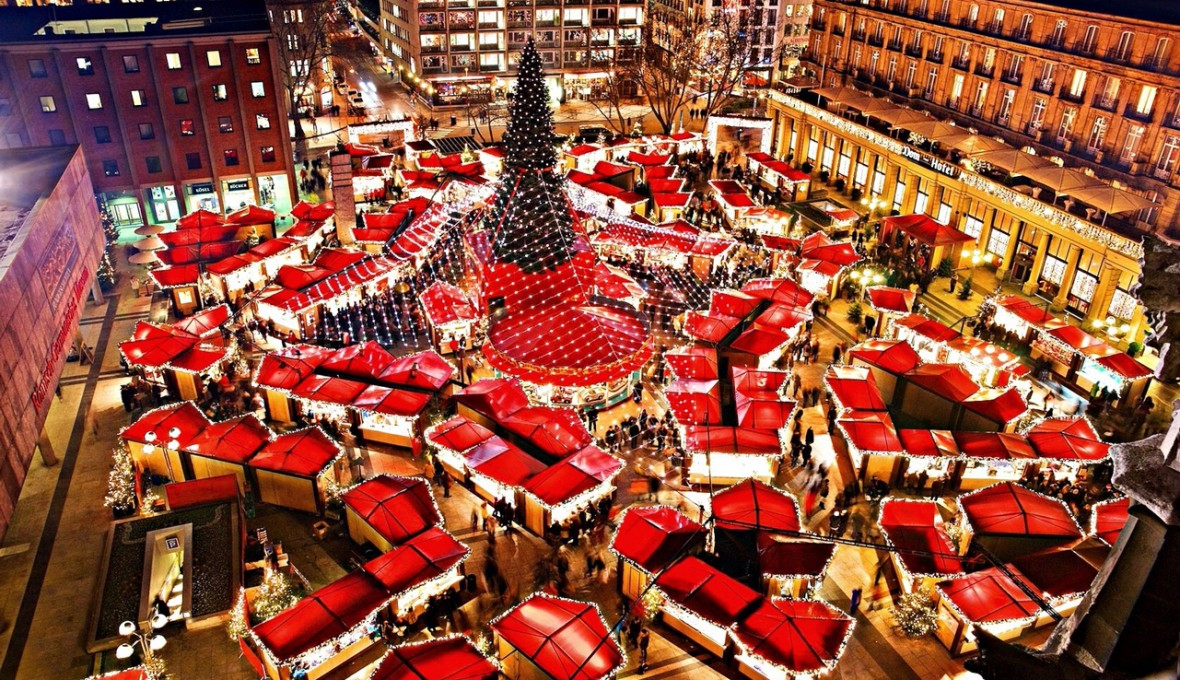 Christmas-Market-at-Cologne-Cathedral_GETTY_536937875
