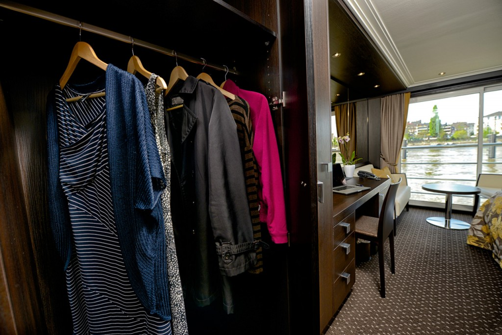 Expression_Interior_Panorama-Suite_closet-detail_Amatucci_6-21