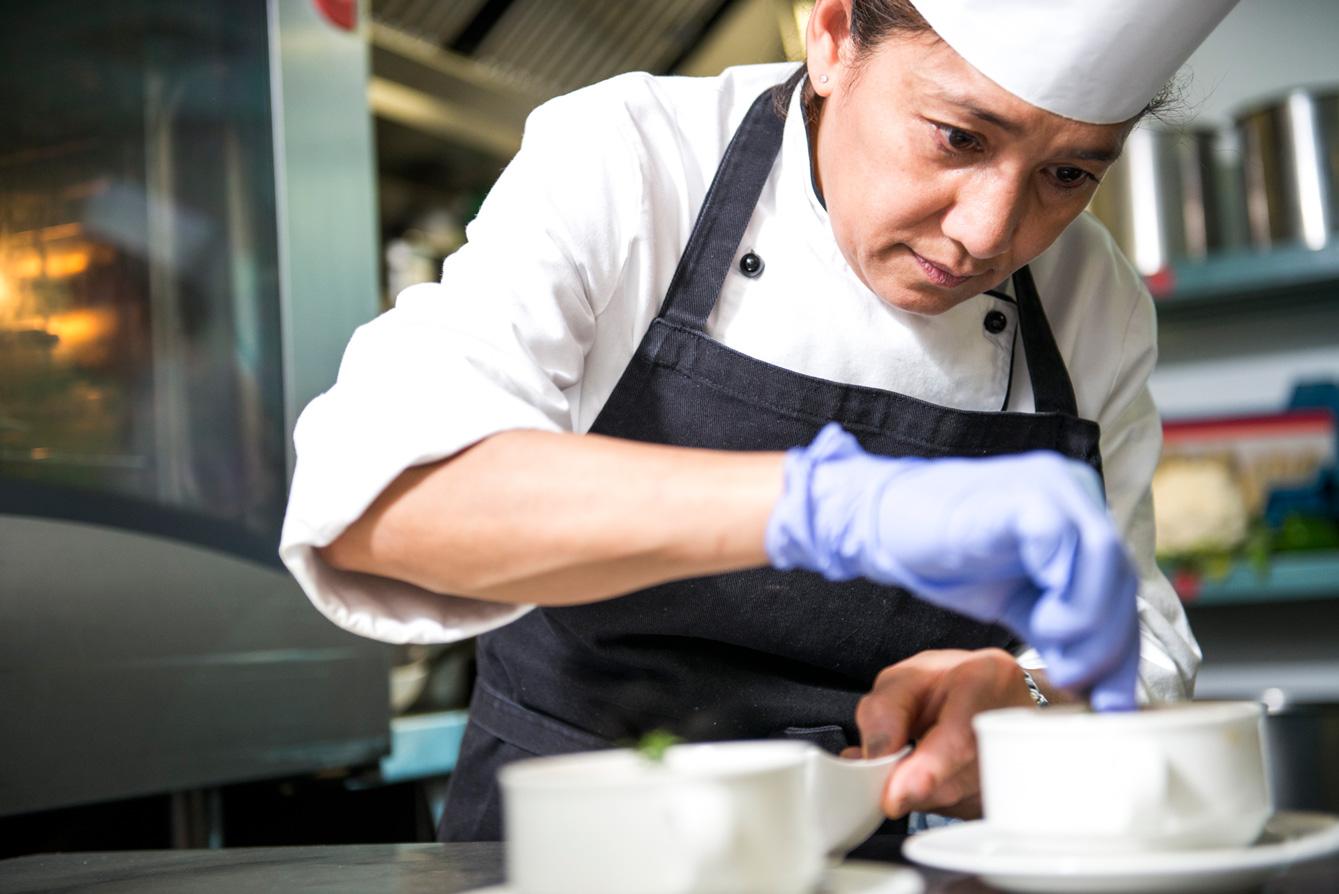 2015_06_14_avalon_IF-9816-soup-chef-prep