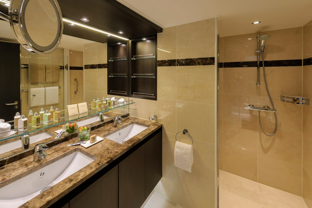 rsz_avalon_artistry_ii_royal_suite_bathroom_01
