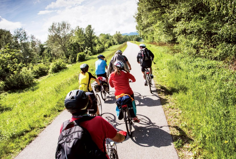 Getty_Bike_Danube_Austria_504812155_abcrx